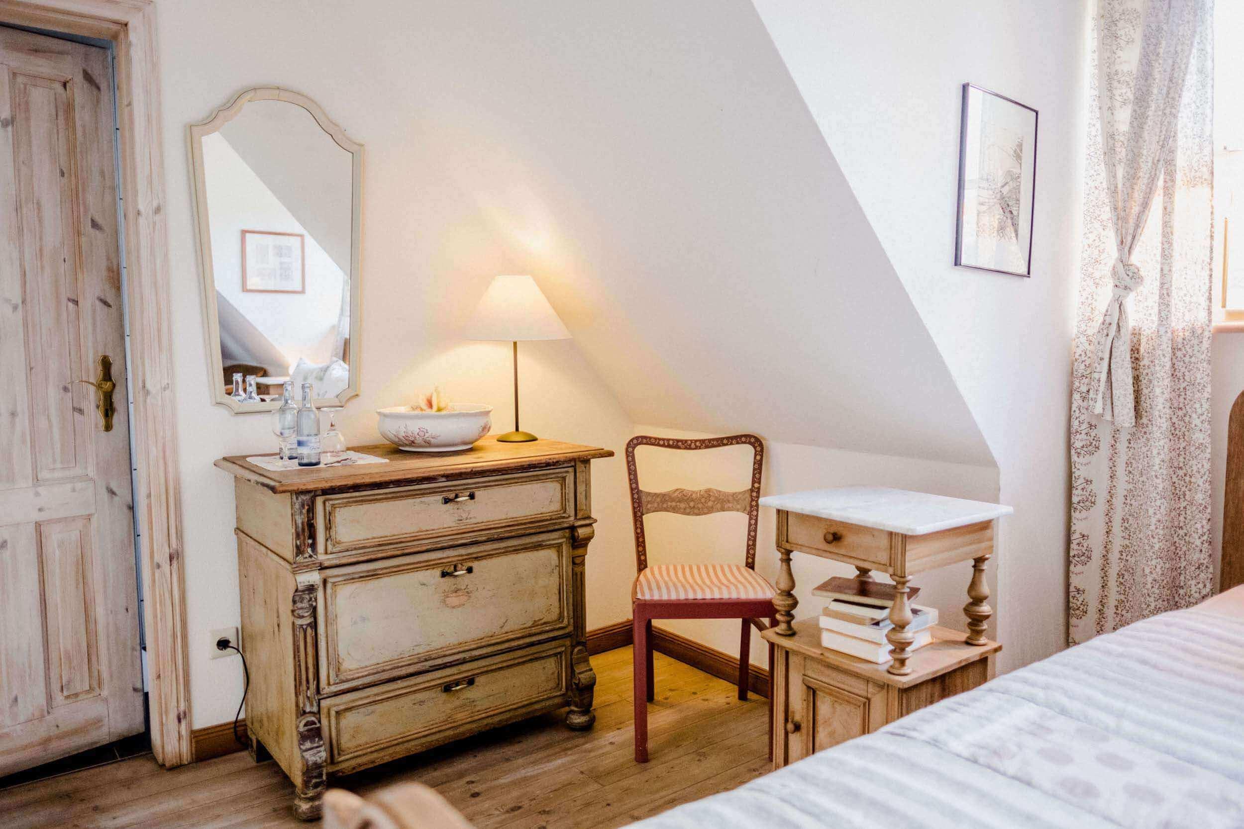 Zimmer Jasmin - Urlaub im Gutshaus Ehmkendorf in Mecklenburg Vorpommern