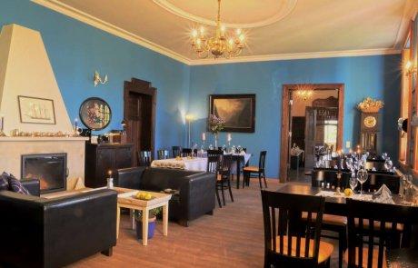 Gutshaus Ehmkendorf in Mecklenburg Vorpommern - der blaue Salon