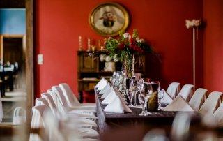Hochzeit im Gutshaus Ehmkendorf - rote Salon